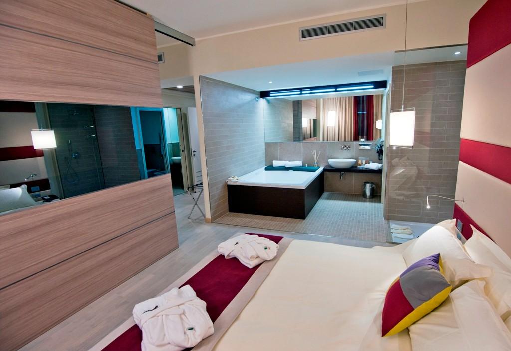 3-room-suite-5