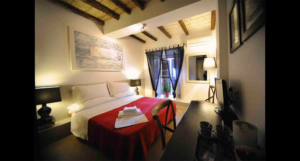 Room-number-6-with-red-beds