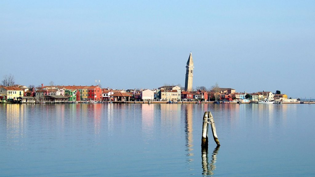 1280px-Burano_view_from_Mazzorbo