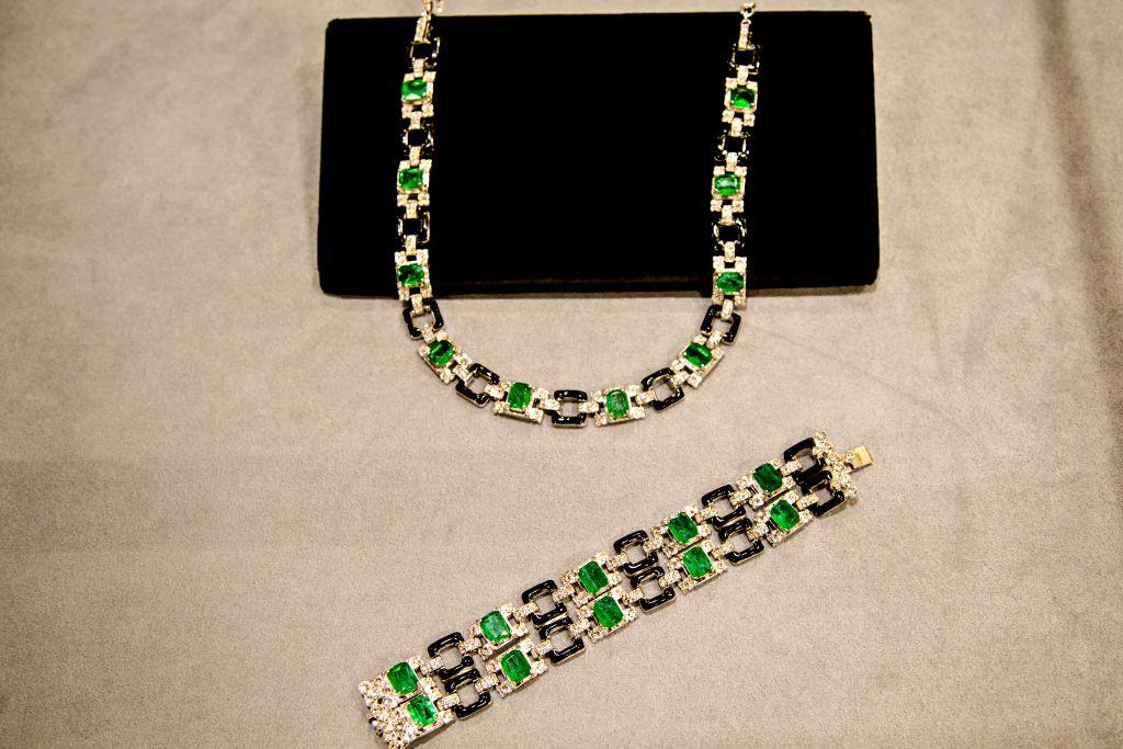 bracelet-emeraude-et-collier